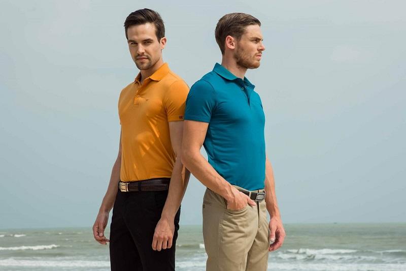Áo polo golf Regular có ôm cơ thể vừa phải, phù hợp với nhiều dáng người