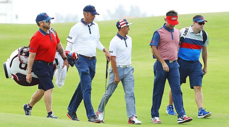 Áo polo golf có màu sắc sinh động