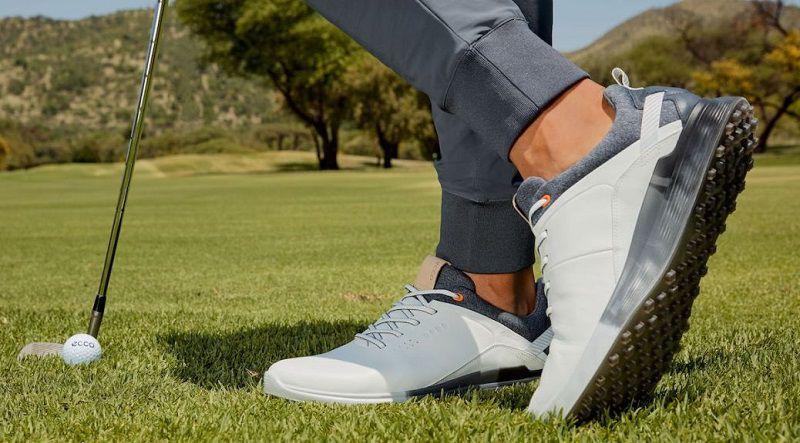 Lựa chọn giày chơi golf hiện đại, phù hợp