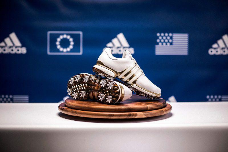Lựa chọn giày phù hợp sẽ giúp golfer có những cú đánh chất lượng nhất