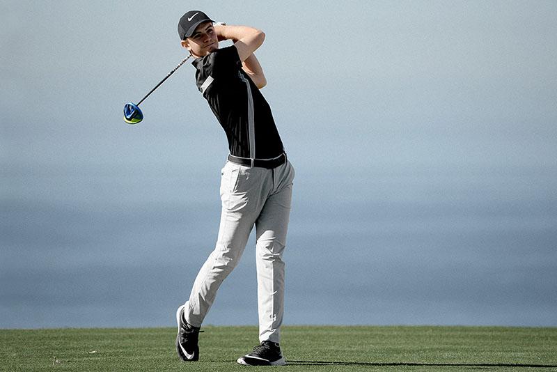 Thắt lưng golf Nike khiến golfer vận động trên sân linh hoạt hơn