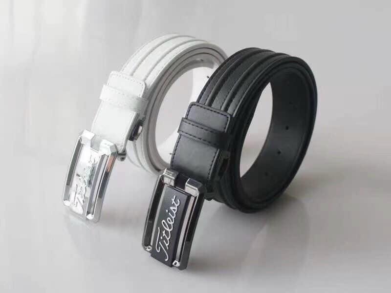 Với thiết kế thể thao đẹp mắt cùng đường may tinh tế, sản phẩm đang có 2 màu đen và trắng cho chị em lựa chọn