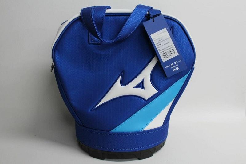 Túi sử dụng chất liệu vải vô cùng bền chắc, cùng lớp đế cứng