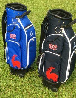 Túi gậy golf golf Le Coq Sportif sử dụng các gam màu trung tính là chủ yếu như đen, ghi, xanh, trắng