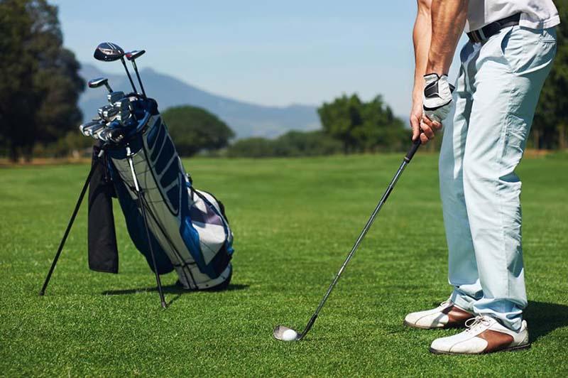 Túi gậy olf vải dù khiến golfer luôn thoải mái trên sân