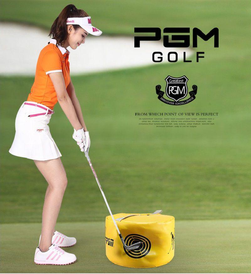 Túi tập swing golf PGM HL002 được làm từ chất liệu nylon, với miệng túi trang bị khóa kéo chắc chắn