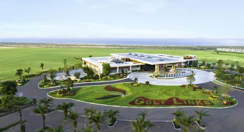 Tòa nhà câu lạc bộ với các dịch vụ tiện ích hấp dẫn