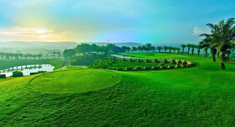 Sân golf Củ Chi mang một vẻ đẹp tự nhiên, trong lành