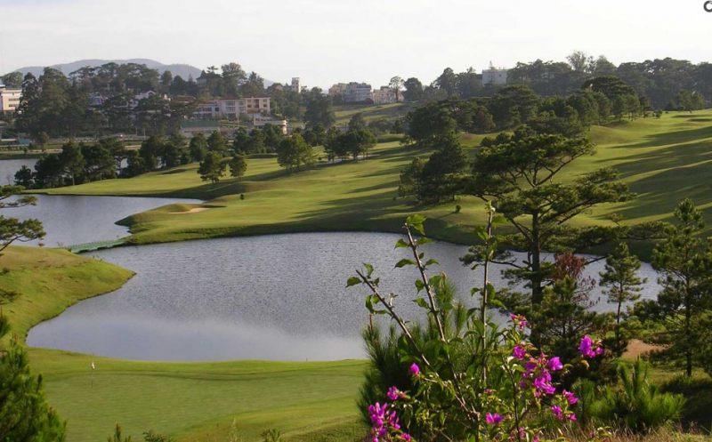 Đà Lạt sở hữu những sân golf vô cùng đẹp