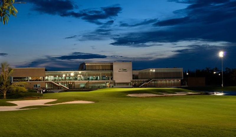 Khu nhà câu lạc bộ golf