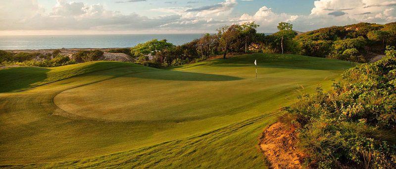 Sân golf là địa điểm nghỉ dưỡng, tham quan của nhiều du khách trong nước và quốc tế