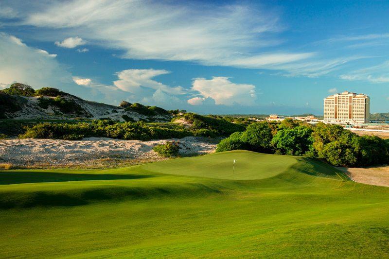 Sân golf Hồ Tràm có thiết kế vô cùng đẹp