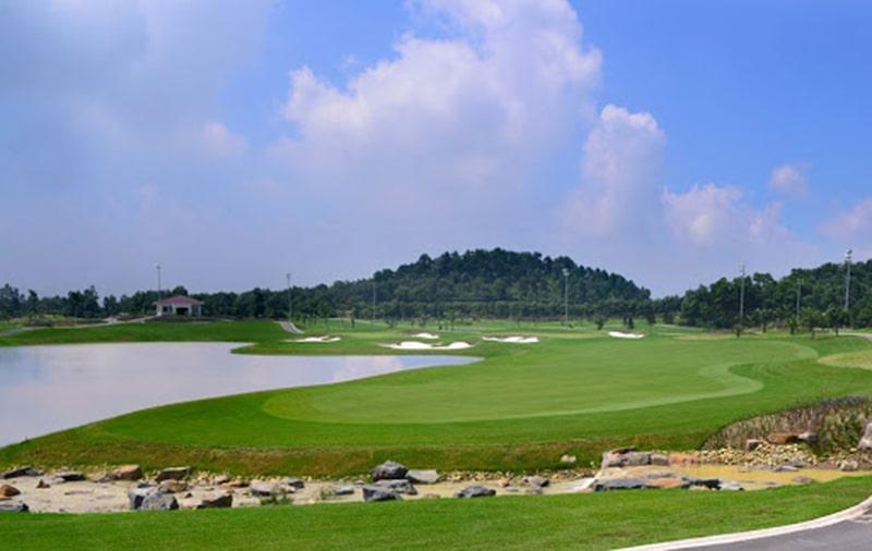Địa hình sân golf