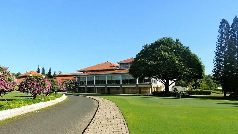 Sân golf có rất nhiều khu nhà đa năng thuận tiện cho người chơi