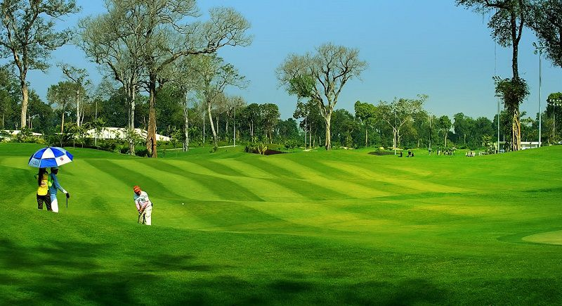 Sân golf có thiết kế vô cùng hiện đại và thoáng mát