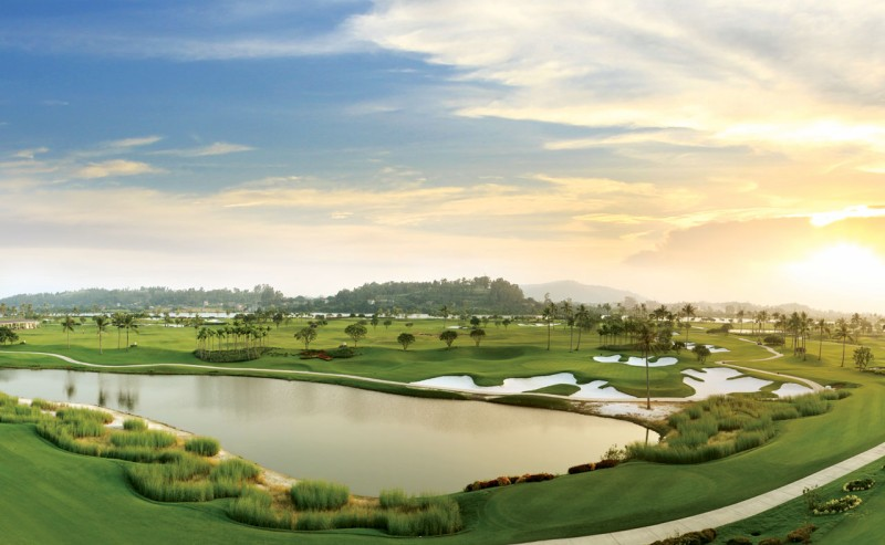Cảnh quan sân golf Sông Giá