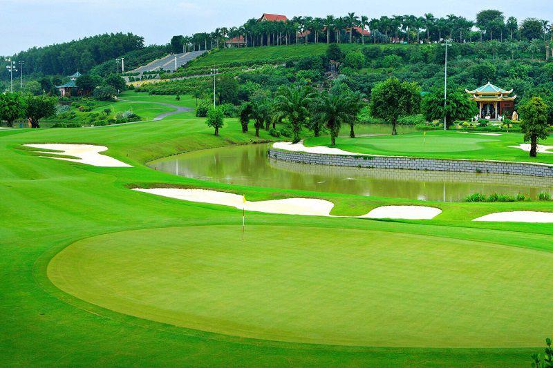 Sân golf có rất nhiều khu vực để người chơi đến khám phá