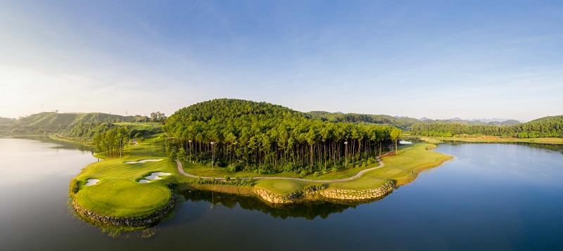 Sân golf Tràng An có vị trí địa lý vô cùng thuận lợi