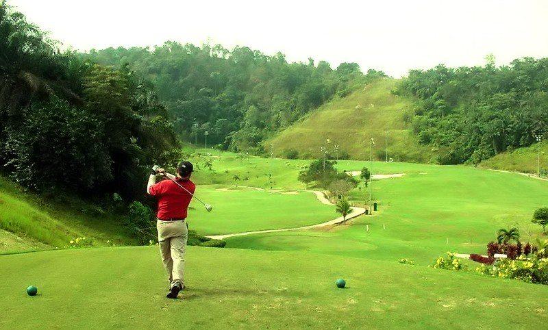 Sân golf Vân Trì là một trong những địa chỉ quen thuộc của nhiều golfer