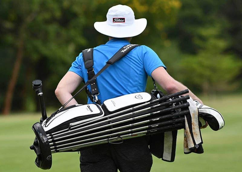 Túi đựng gậy golf rất cần thiết với golfer