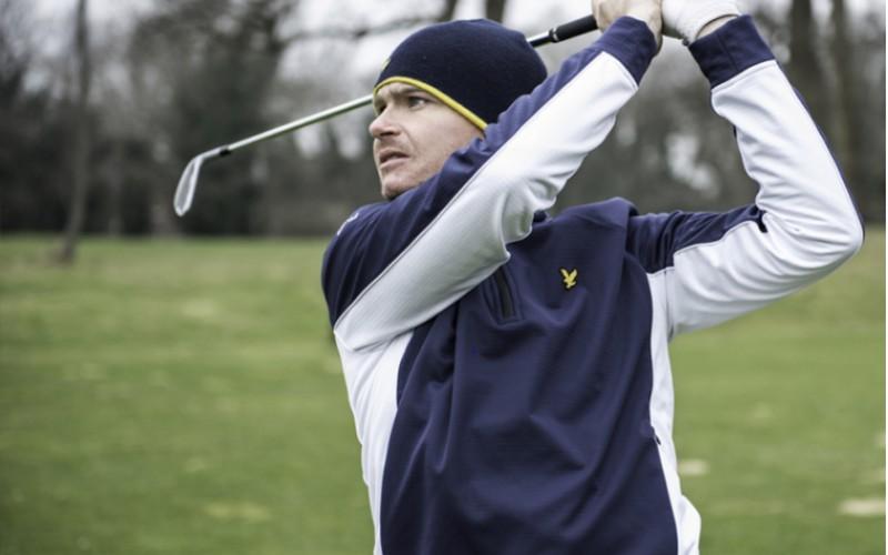Mũ golf mùa đông rất cần thiết cho golfer khi chơi golf dưới trời lạnh