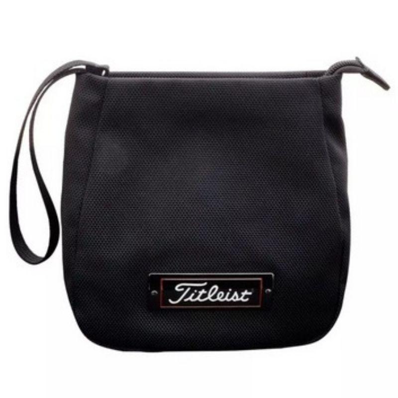 Túi golf cầm tay Titleist Prof Zipp Valuable với thiết kế đơn giản mà tinh tế trang trọng