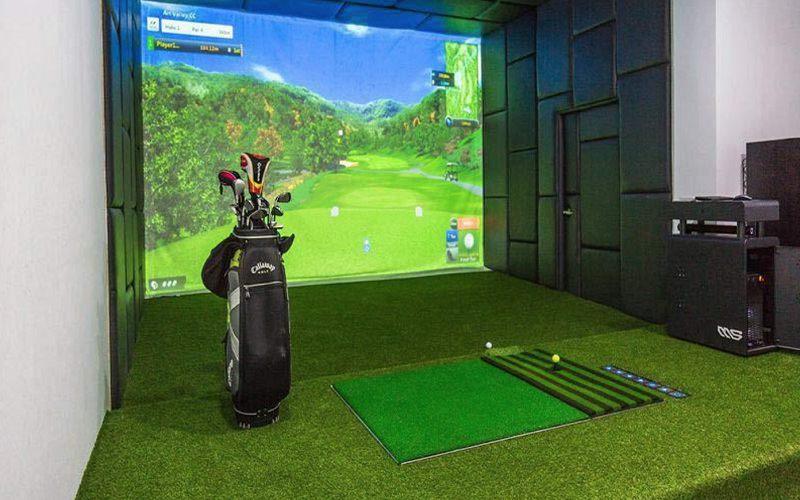 Bạn nên theo dõi sát xao quá trình thiết kế và lắp đặt phòng golf