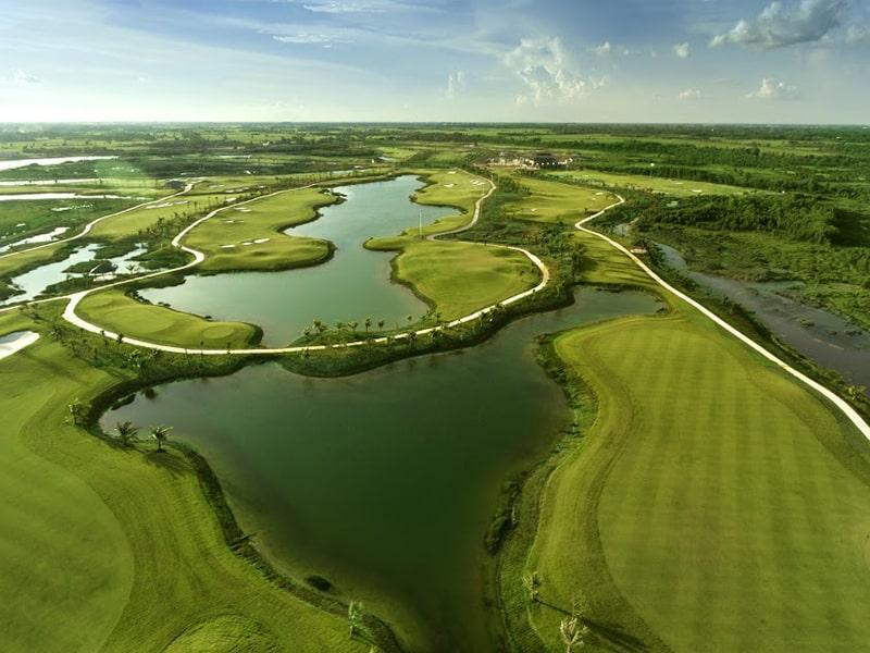 Sân golf West Lakes còn được gọi là sân golf Tân Mỹ