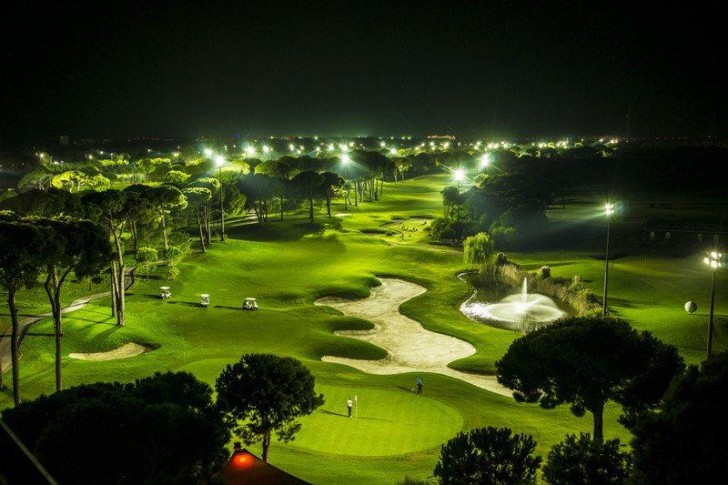 Sân golf Hà Nội nhìn từ trên cao