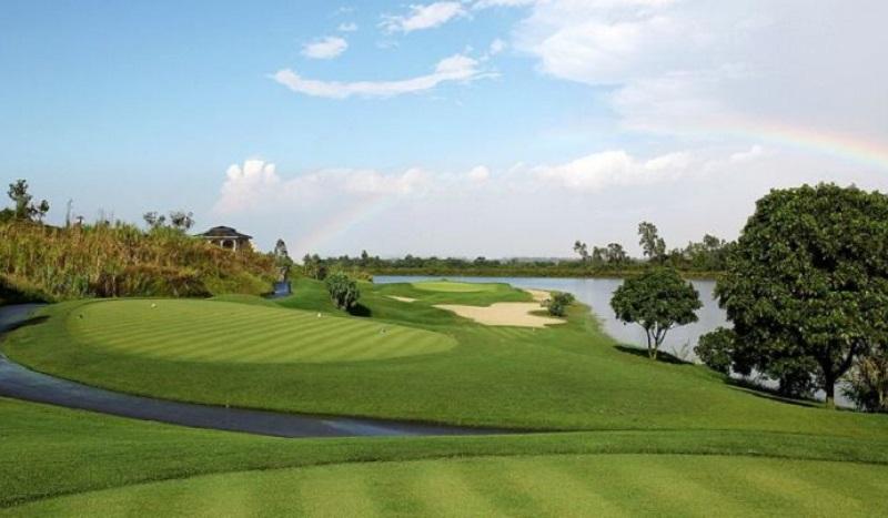 Sân golf Sky Lake