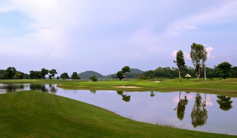 Một góc của sân golf Đồng Mô