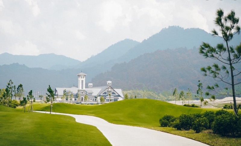 Sân Thanh Lanh rộng khoảng 73ha, thiết kế với 18 lỗ tiêu chuẩn